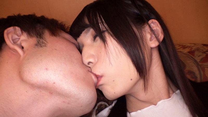 姫河ゆい 18歳AVデビュー ボクこう見えてオチンチンついてます。